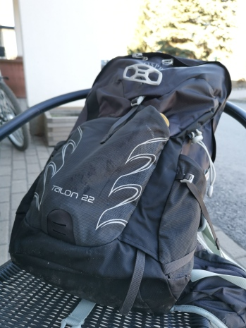 pretty nice 2390f b7960 Link to info page   https   www.ospreyeurope.com shop fi en hiking talon-series talon-22-17